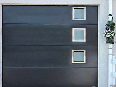 Porte de garage dans la gironde bordeaux fermetures for Porte de garage couleur bordeaux